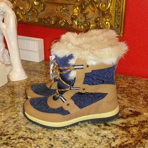 1120 BearPaw Marina Waterproof Boots